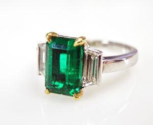 art-deco-inspired-emerald-and-diamond-ring